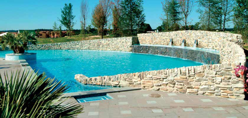 Parc Hotel, Peschiera, Lake Garda, Italy - Outdoor Pool.jpg